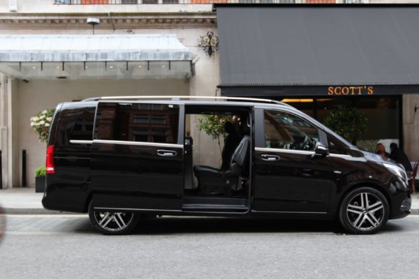 Private-City-Tour-Milan-with-driver-V-Class
