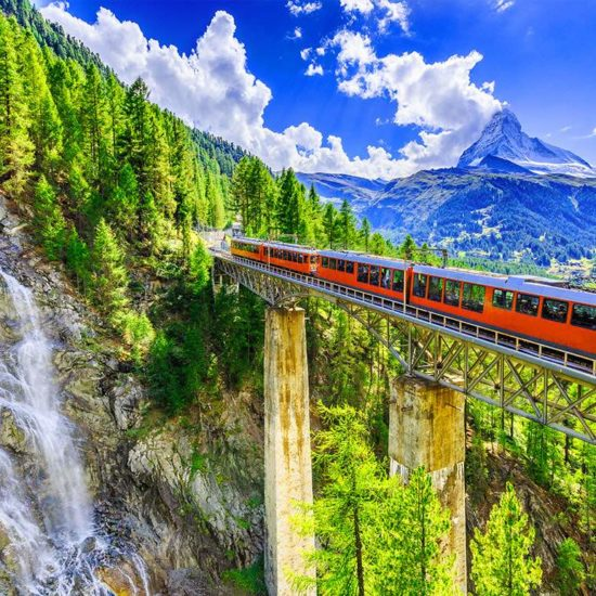 Bernina Express & Sankt Moritz - Day Trip from Milan